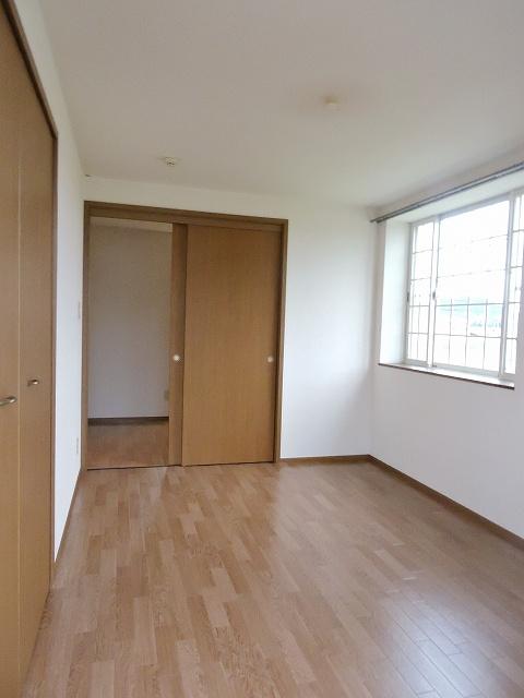 スカイハイツK A 02010号室のリビング