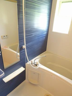 アベンシス7 02050号室の風呂