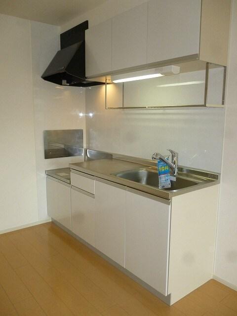 リバーサイドさくらA 02030号室のキッチン