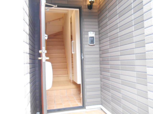 レスプランド-ル 02020号室の玄関