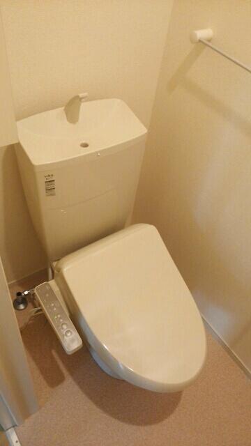 エスポワールA 01020号室のトイレ