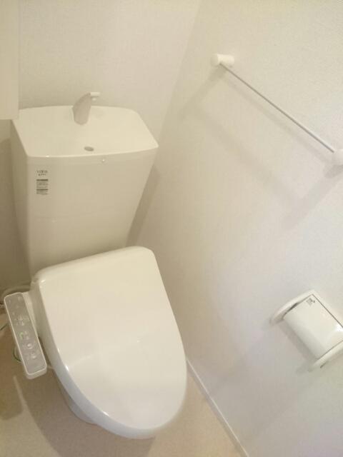 シュウプリングA 01020号室のトイレ