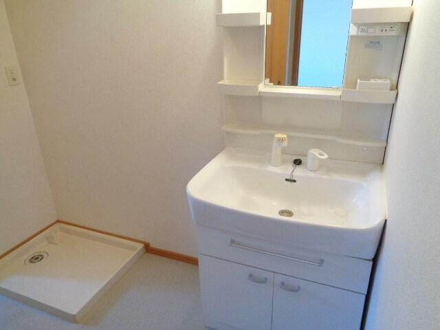グランディール 27 02010号室の洗面所