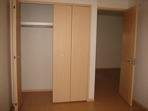レジデンスM・J A 01010号室のその他