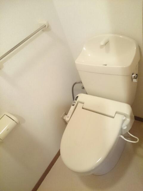 ドゥヴァン レコール B 02010号室のトイレ