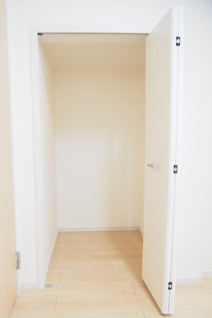 フィオーレ リン A 01020号室の収納