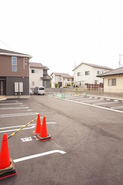アネシス木太B 01030号室の駐車場