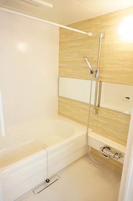 アネシス木太B 01030号室の風呂