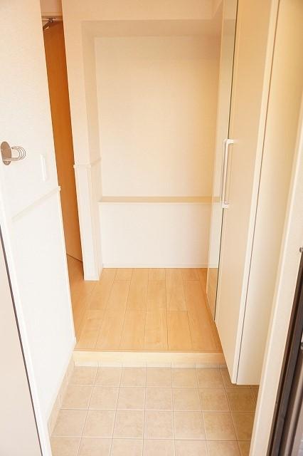 アネシス木太B 01030号室の玄関