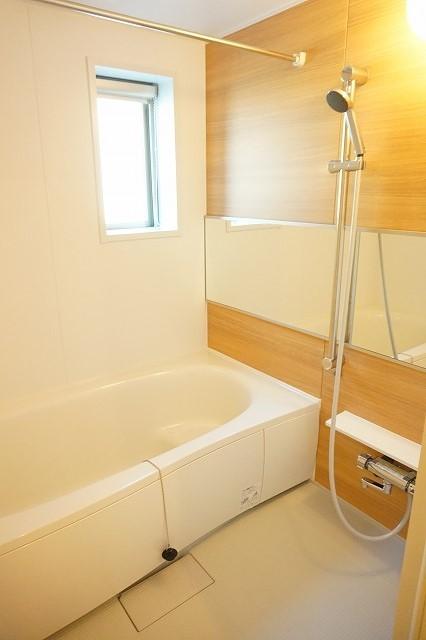 クラール木太D 01010号室の風呂