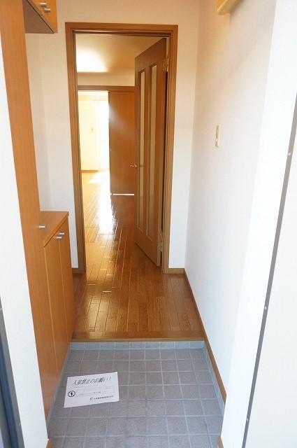 オーブリー 森 01030号室の玄関