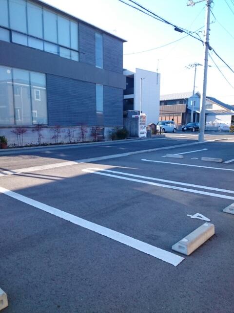 サンライズ田村 Ⅱ 02020号室の駐車場