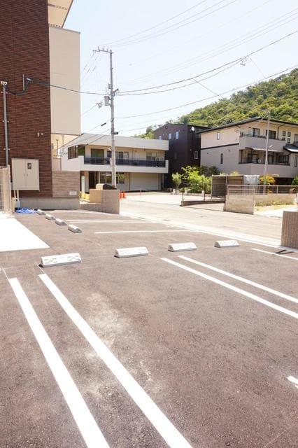 ディアコート 宮脇 02020号室の駐車場