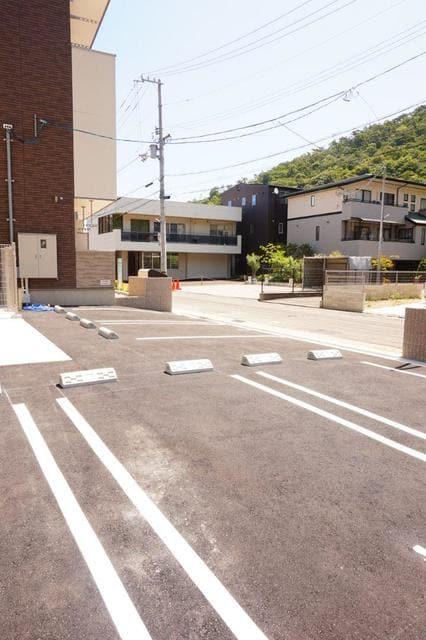 ディアコート 宮脇 02030号室の駐車場