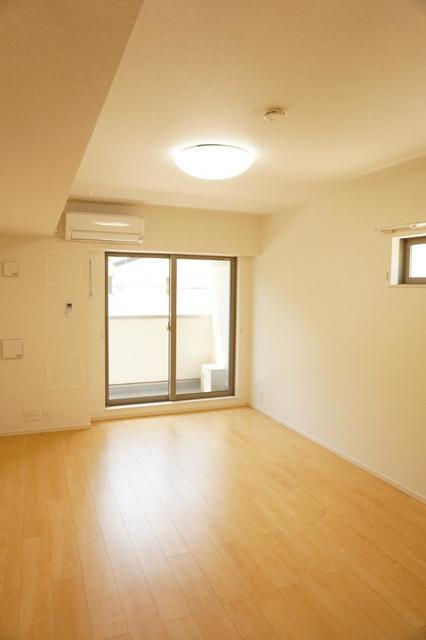 ディアコート 宮脇 02030号室のリビング