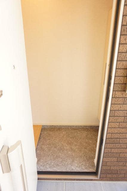 ディアコート 宮脇 02030号室の玄関