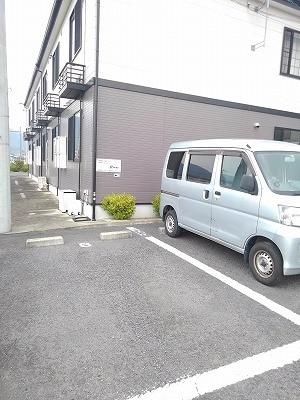 コーポリバーサイド・藤 A 02020号室の駐車場