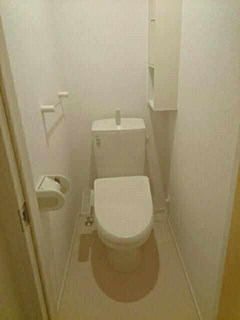 キャッスル B 02010号室のトイレ