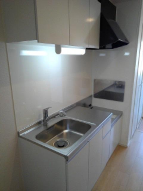 ボヌール レイワB 02010号室のキッチン