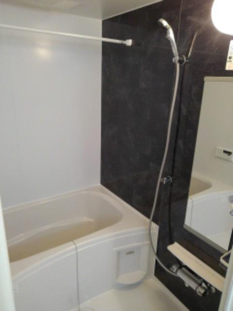 ボヌール レイワB 02010号室の風呂