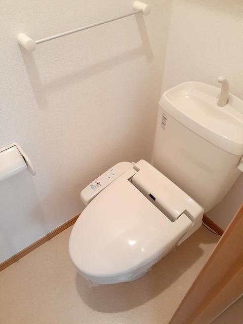 アージュ 01050号室のトイレ