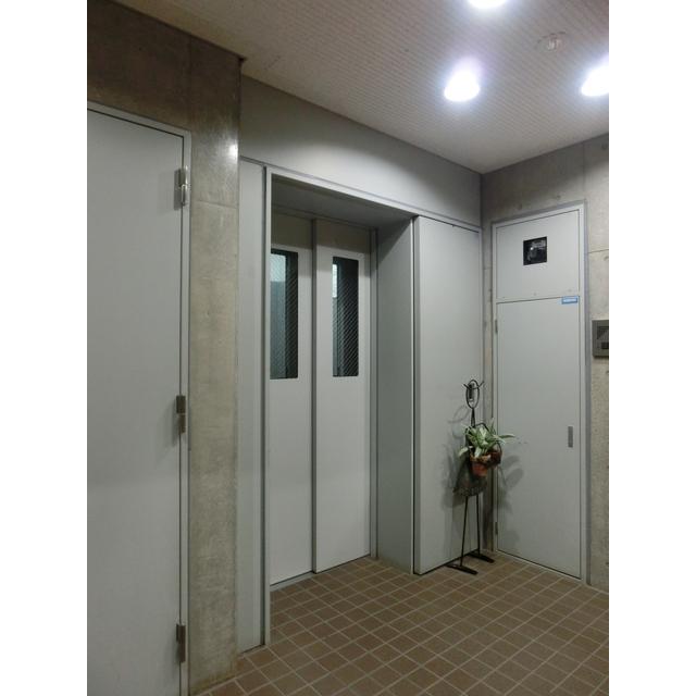 ル ガルデニア 0202号室の玄関