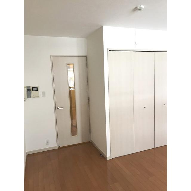 ル ガルデニア 0202号室のリビング
