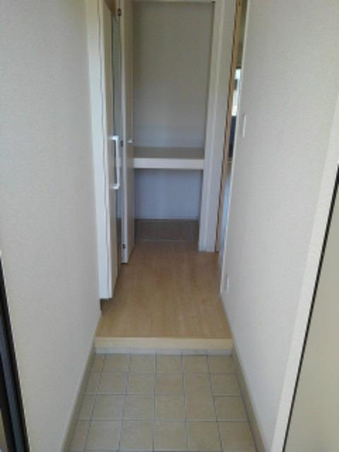アヴォンリー上天神Ⅱ 01030号室の玄関