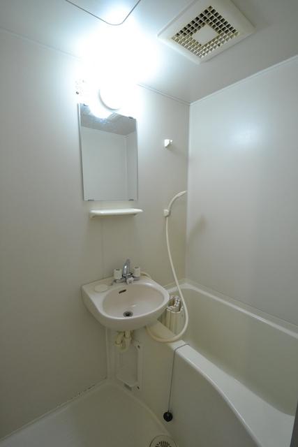 ヴィラ向原 106号室の風呂