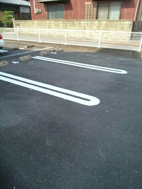 メゾンリゾナーレコトブキⅢ B 02020号室の駐車場