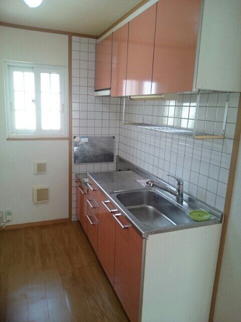 メゾンリゾナーレコトブキⅢ B 02020号室のキッチン