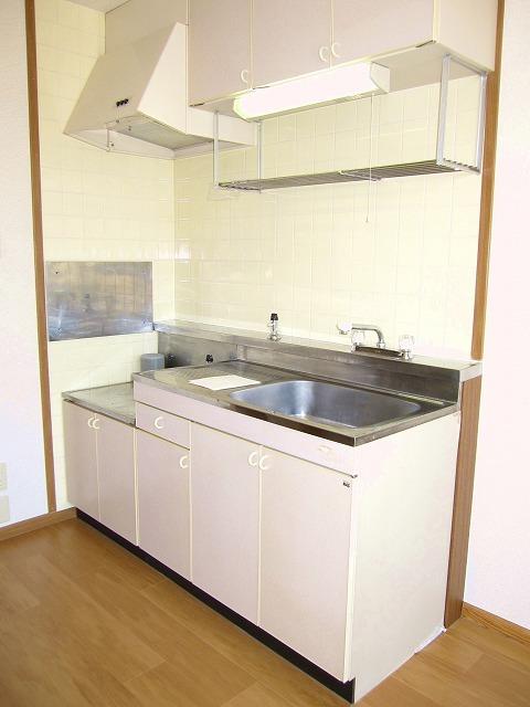 コンフォートハイツ Ⅱ 02040号室のキッチン