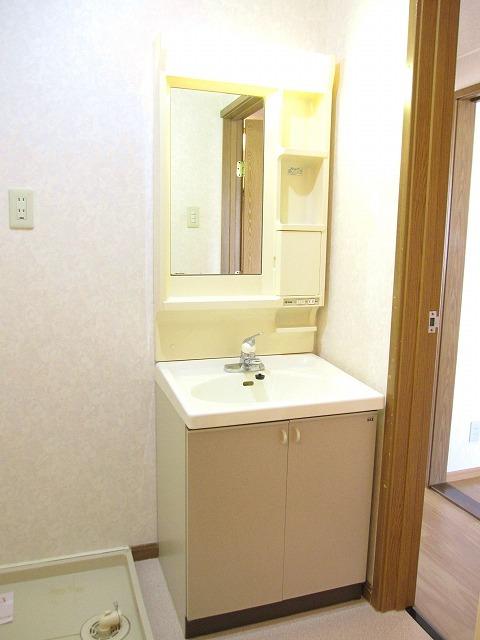 コンフォートハイツ Ⅱ 02040号室の洗面所