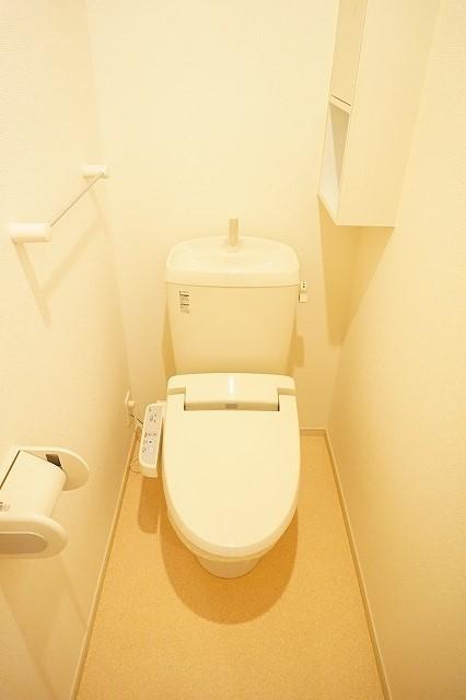 ジェルメⅠ 01020号室のトイレ