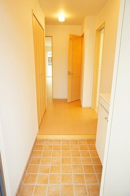 ジェルメⅠ 01020号室の玄関