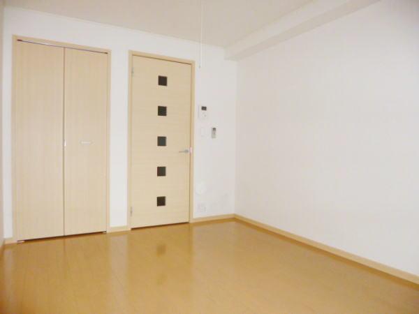 カーサ カトルセM 01040号室のリビング