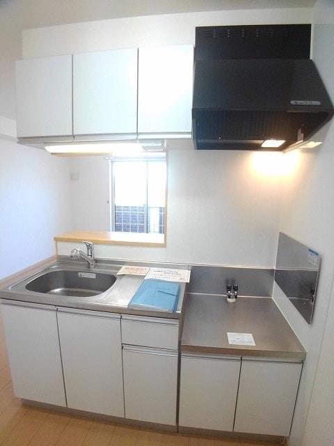 サン・フィールド ⅡB 02030号室のキッチン