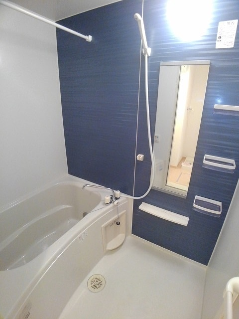 サン・フィールド ⅡB 02030号室の風呂