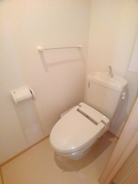 サン・フィールド ⅡB 02030号室のトイレ