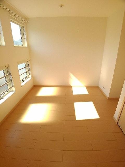 サン・フィールド ⅡB 02030号室のベッドルーム