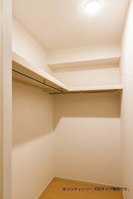 エスポワール・E 01020号室の収納