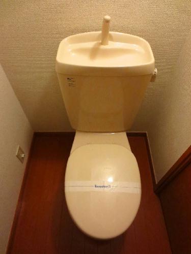 レオパレスレジェンス 203号室のトイレ