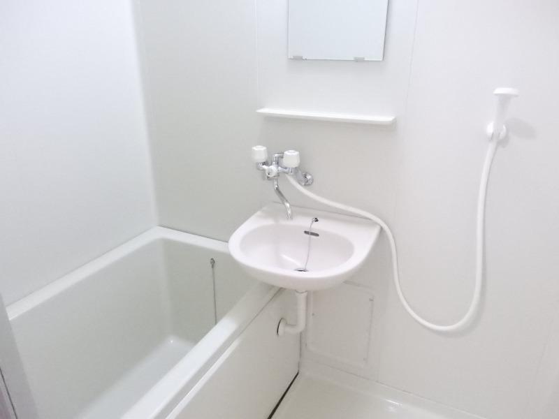 レナージュ 02040号室の風呂