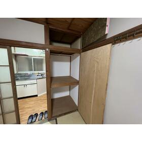 ハイツ白樺 102号室の収納