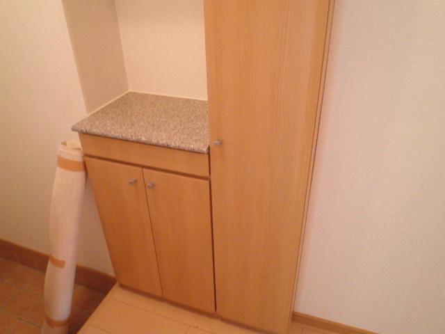 フィニートⅠ 01020号室の玄関