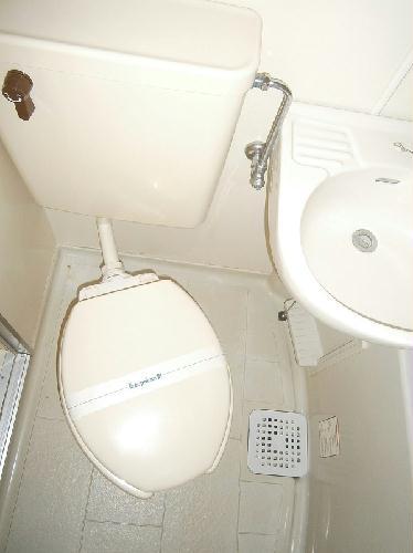レオパレスU 201号室のトイレ