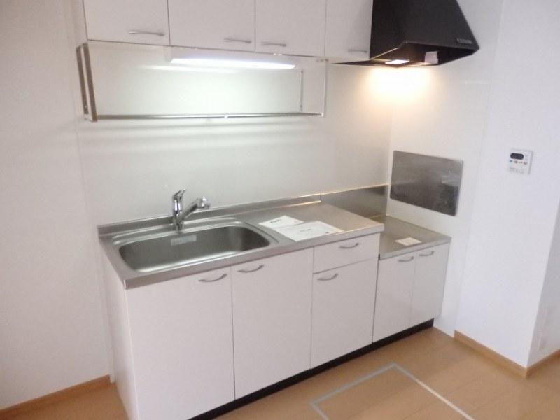 アルモニー A 01010号室のキッチン