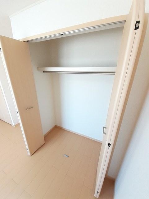 シー・エレガンテ Ⅱ 02020号室の収納