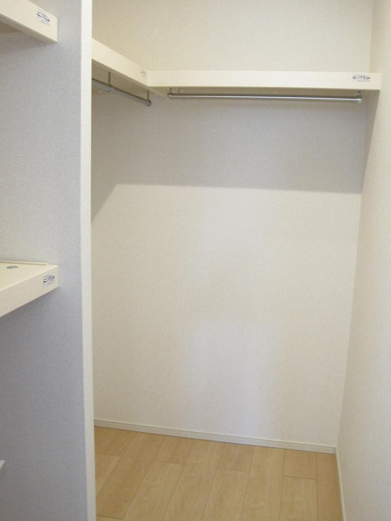ローズ ゲート Ⅱ 02010号室の収納
