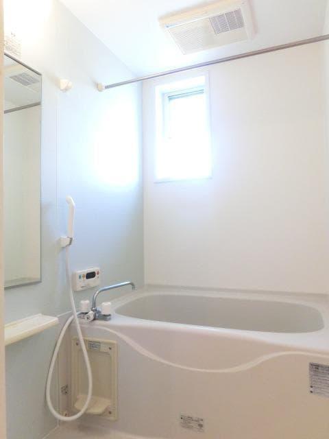ウィン・アイランドB棟 01020号室の風呂